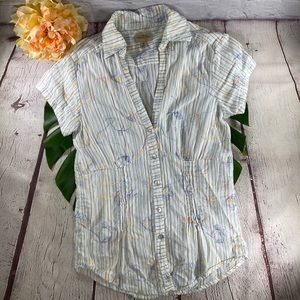Stitched Floral Button Down Fitted Blouse